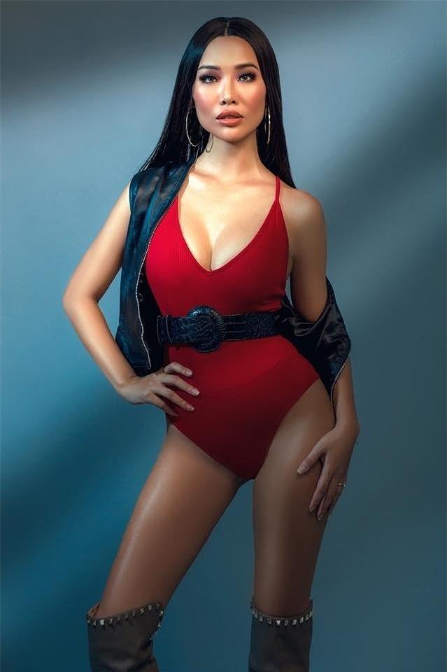 Body bỏng mắt của tình cũ Kim Lý với bikini cùng 'số đo vàng' 90-60-90 - ảnh 6