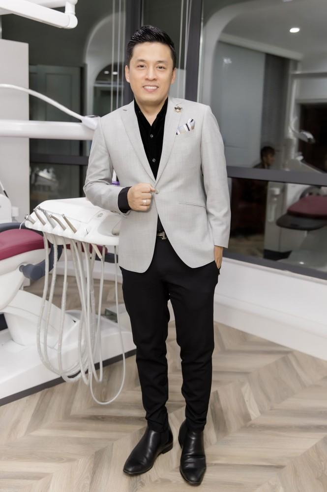 Đan Trường, Lam Trường đọ vẻ điển trai ở tuổi tứ tuần khiến fans Hà Nội 'bấn loạn' - ảnh 7