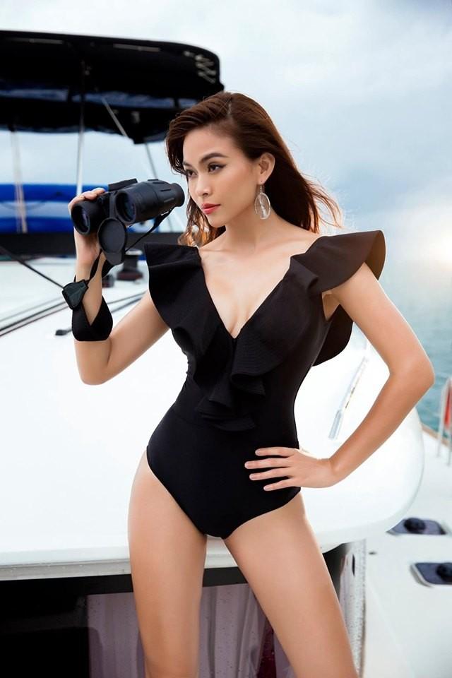 Á hậu Mâu Thuỷ 'đốt mắt' fans với loạt ảnh khoe đường cong hoàn hảo cùng bikini - ảnh 9