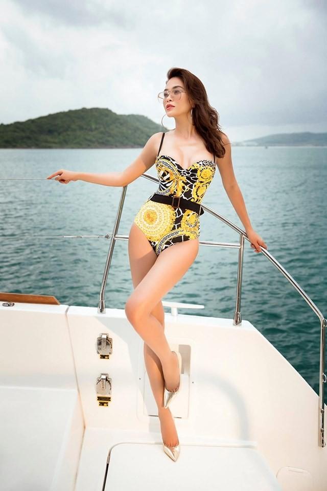 Á hậu Mâu Thuỷ 'đốt mắt' fans với loạt ảnh khoe đường cong hoàn hảo cùng bikini - ảnh 4