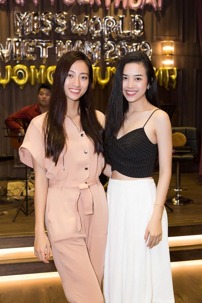 Hoa hậu Tiểu Vy và dàn người đẹp để mặt mộc dự sinh nhật Hoa hậu Lương Thuỳ Linh - ảnh 7