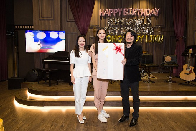 Hoa hậu Tiểu Vy và dàn người đẹp để mặt mộc dự sinh nhật Hoa hậu Lương Thuỳ Linh - ảnh 9