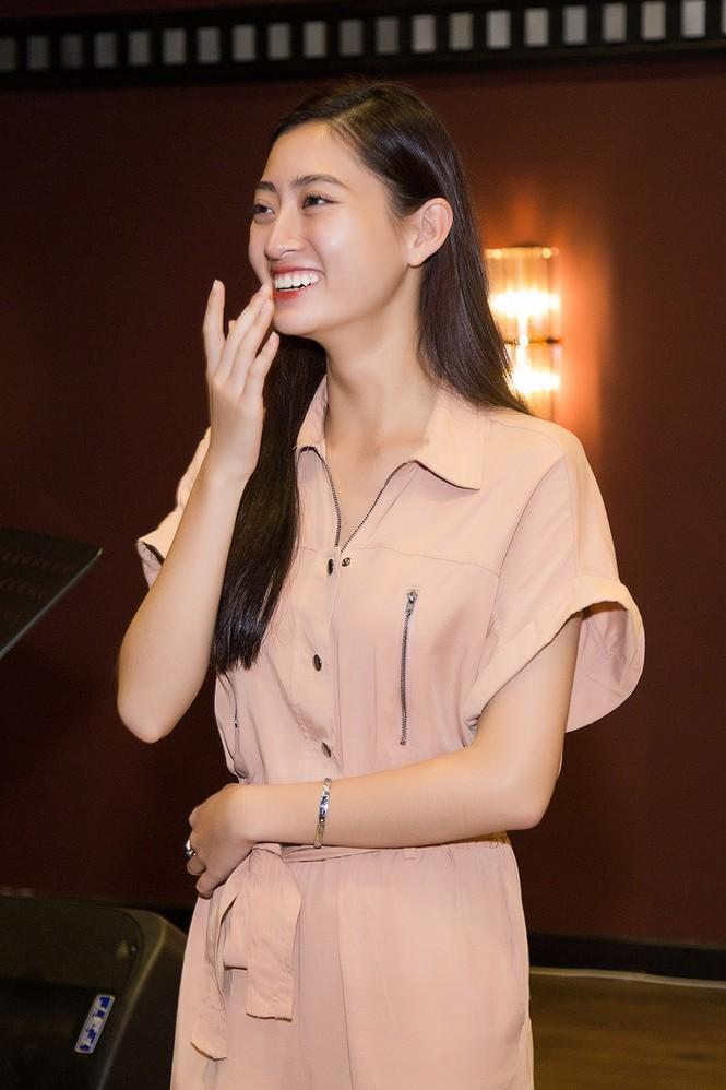 Hoa hậu Tiểu Vy và dàn người đẹp để mặt mộc dự sinh nhật Hoa hậu Lương Thuỳ Linh - ảnh 2