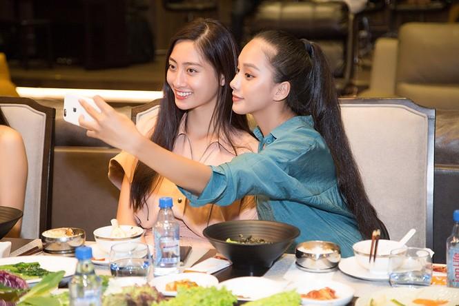 Hoa hậu Tiểu Vy và dàn người đẹp để mặt mộc dự sinh nhật Hoa hậu Lương Thuỳ Linh - ảnh 6