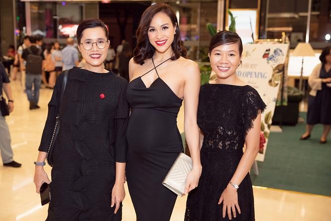 Bụng bầu 7 tháng, Phương Mai vẫn mặc váy bó sát nóng bỏng đi sự kiện - ảnh 4
