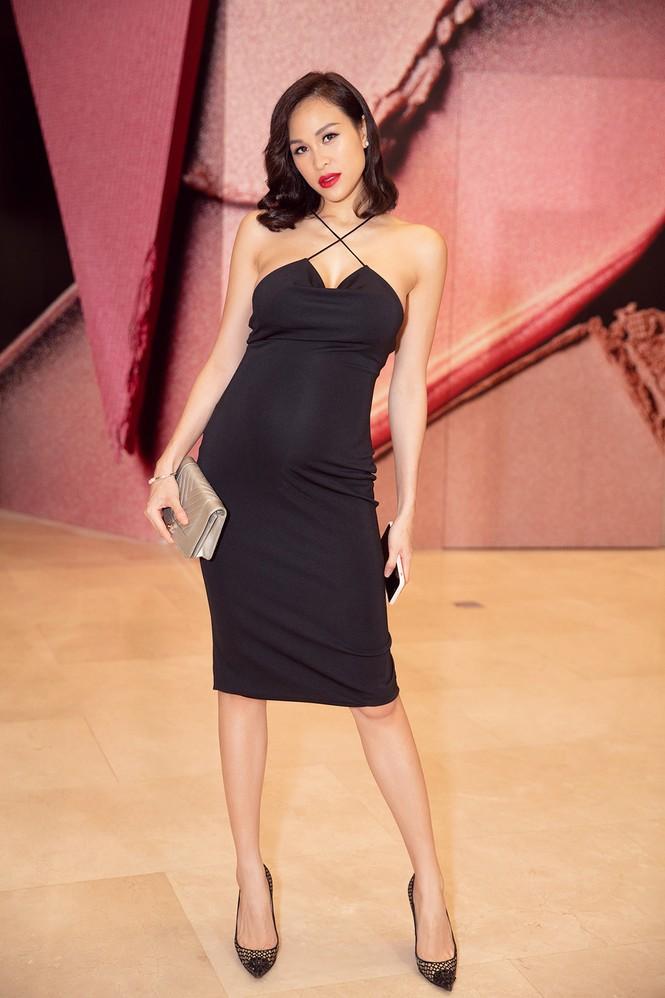 Bụng bầu 7 tháng, Phương Mai vẫn mặc váy bó sát nóng bỏng đi sự kiện - ảnh 2