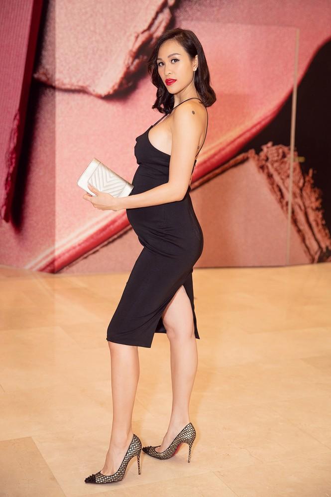 Bụng bầu 7 tháng, Phương Mai vẫn mặc váy bó sát nóng bỏng đi sự kiện - ảnh 3