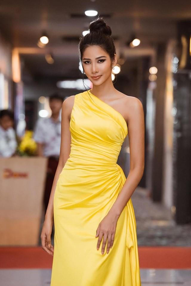 Á hậu Huyền My gợi cảm hết nấc với váy xẻ ngực - ảnh 6