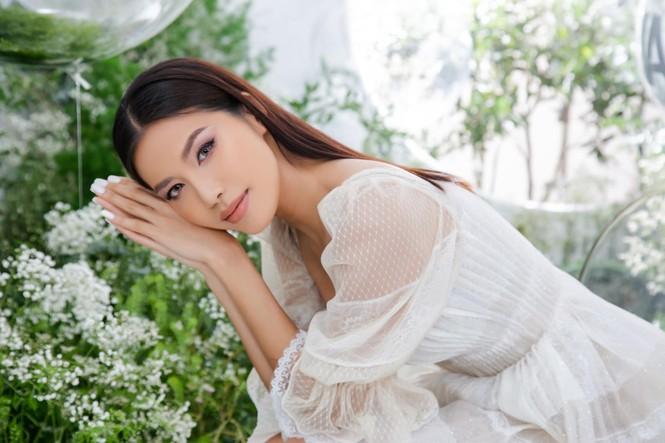 Á hậu Huyền My gợi cảm hết nấc với váy xẻ ngực - ảnh 8