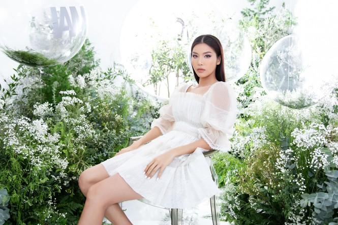 Á hậu Huyền My gợi cảm hết nấc với váy xẻ ngực - ảnh 9