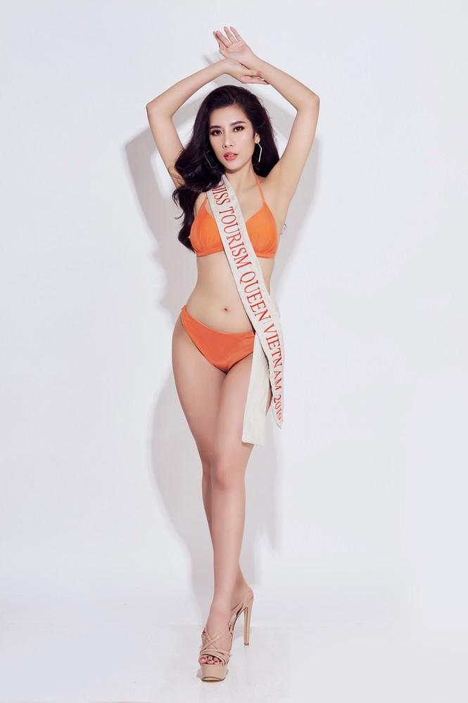 Đại diện Việt Nam tại Hoa hậu Du lịch thế giới 2019 nóng 'bỏng mắt' với bikini - ảnh 6