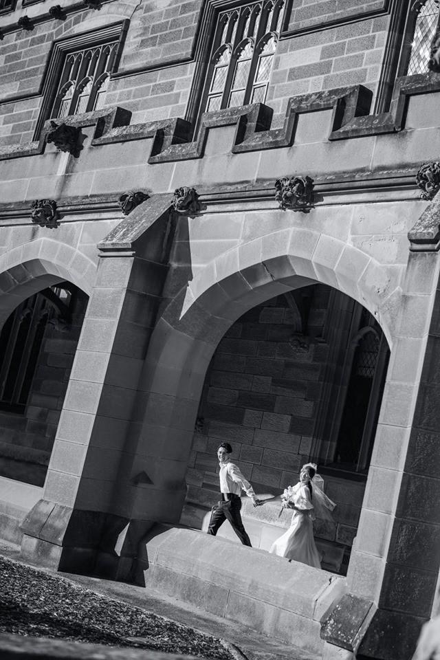 Đông Nhi - Ông Cao Thắng tung ảnh cưới đen trắng đẹp như mơ ở Sydney - ảnh 7