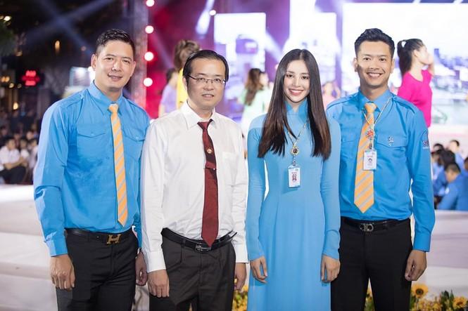H'Hen Niê khen hết lời, dự đoán Hoàng Thuỳ giành vương miện Miss Universe 2019 - ảnh 6