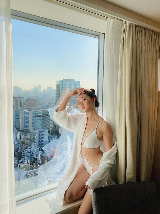 Tường San khoe body bốc lửa với bikini ở Hoa hậu Quốc tế khiến fan 'phát sốt' - ảnh 1