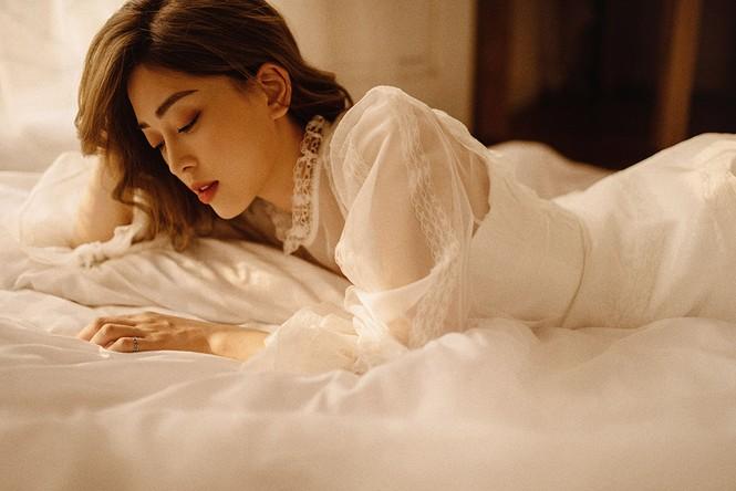 Sau nghi vấn kết hôn, Á hậu Phương Nga hóa nàng thơ trong bộ ảnh mừng sinh nhật - ảnh 9