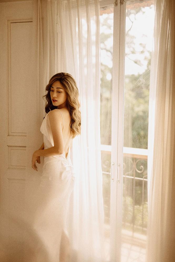 Sau nghi vấn kết hôn, Á hậu Phương Nga hóa nàng thơ trong bộ ảnh mừng sinh nhật - ảnh 4