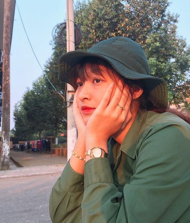 Mai Phương Thuý hờ hững áo vest khoe vòng một gợi cảm khiến fans 'bỏng mắt'  - ảnh 5