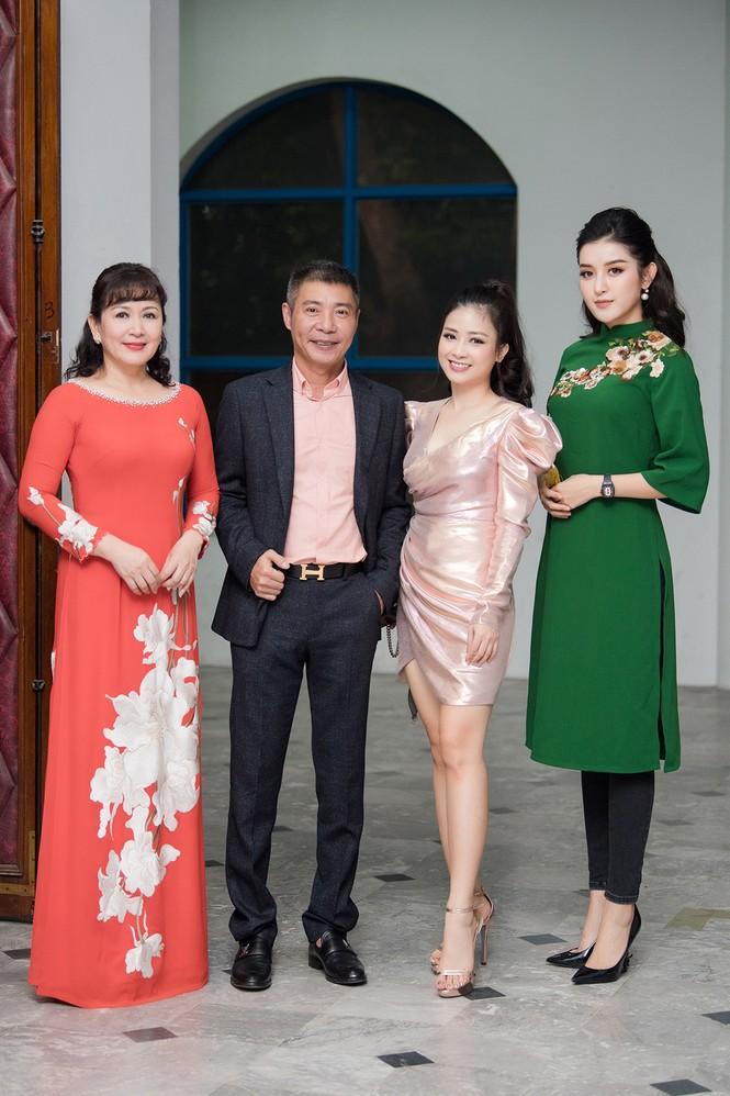 Mai Phương Thuý hờ hững áo vest khoe vòng một gợi cảm khiến fans 'bỏng mắt'  - ảnh 14