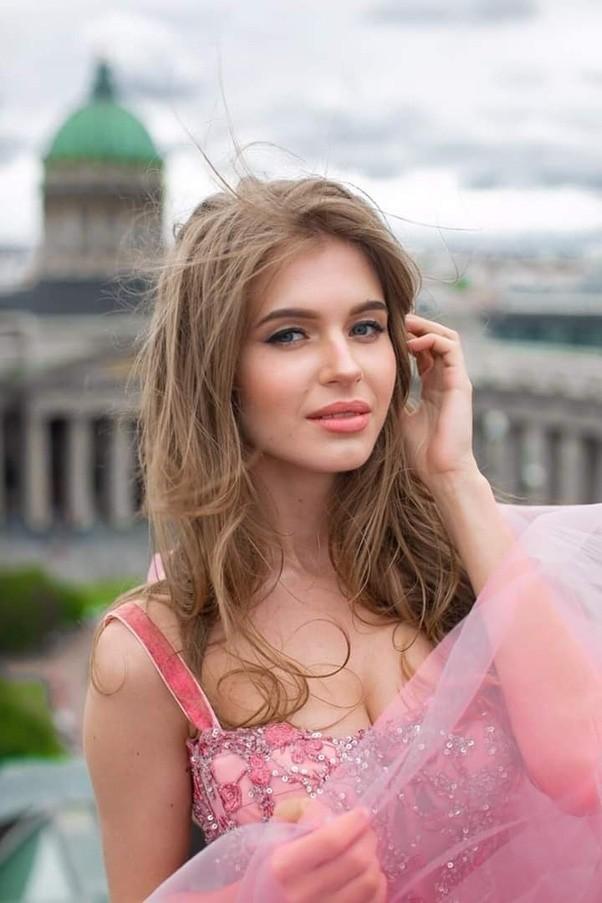 Hoa hậu Nga bất ngờ bỏ thi Hoa hậu Hoàn vũ để dự thi Hoa hậu thế giới - ảnh 1