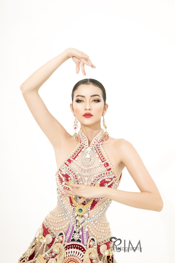 Ngọc Châu hé lộ quốc phục hoành tráng dài hơn 5m ở Hoa hậu Siêu quốc gia - ảnh 8