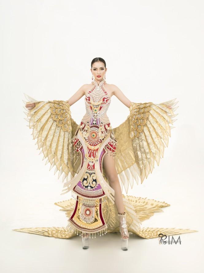 Ngọc Châu hé lộ quốc phục hoành tráng dài hơn 5m ở Hoa hậu Siêu quốc gia - ảnh 1
