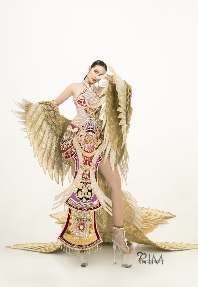 Ngọc Châu hé lộ quốc phục hoành tráng dài hơn 5m ở Hoa hậu Siêu quốc gia - ảnh 3