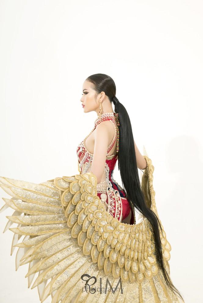 Ngọc Châu hé lộ quốc phục hoành tráng dài hơn 5m ở Hoa hậu Siêu quốc gia - ảnh 4