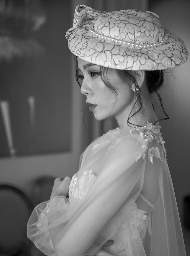 Hoa hậu Nguyễn Thị Huyền váy xẻ gợi cảm, Lệ Quyên khoe ngực đầy hút mắt - ảnh 6