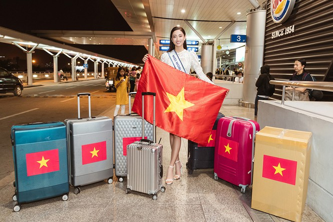Lương Thuỳ Linh và dàn Hoa hậu đính đám làm 'náo loạn' sân bay lúc nửa đêm - ảnh 3