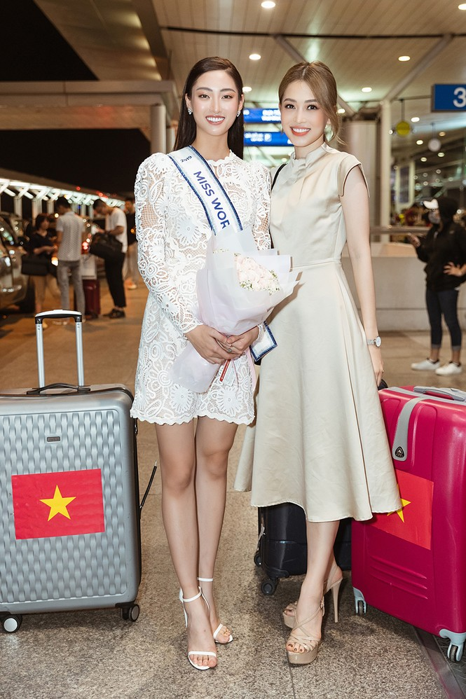 Lương Thuỳ Linh và dàn Hoa hậu đính đám làm 'náo loạn' sân bay lúc nửa đêm - ảnh 8