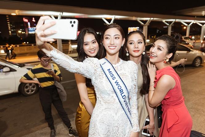 Lương Thuỳ Linh và dàn Hoa hậu đính đám làm 'náo loạn' sân bay lúc nửa đêm - ảnh 9