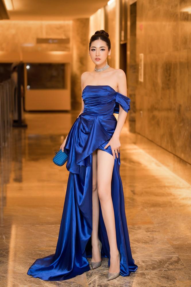 Tú Anh, Huyền My diện váy xẻ 'cao ngút' khoe chân dài gợi cảm  - ảnh 9