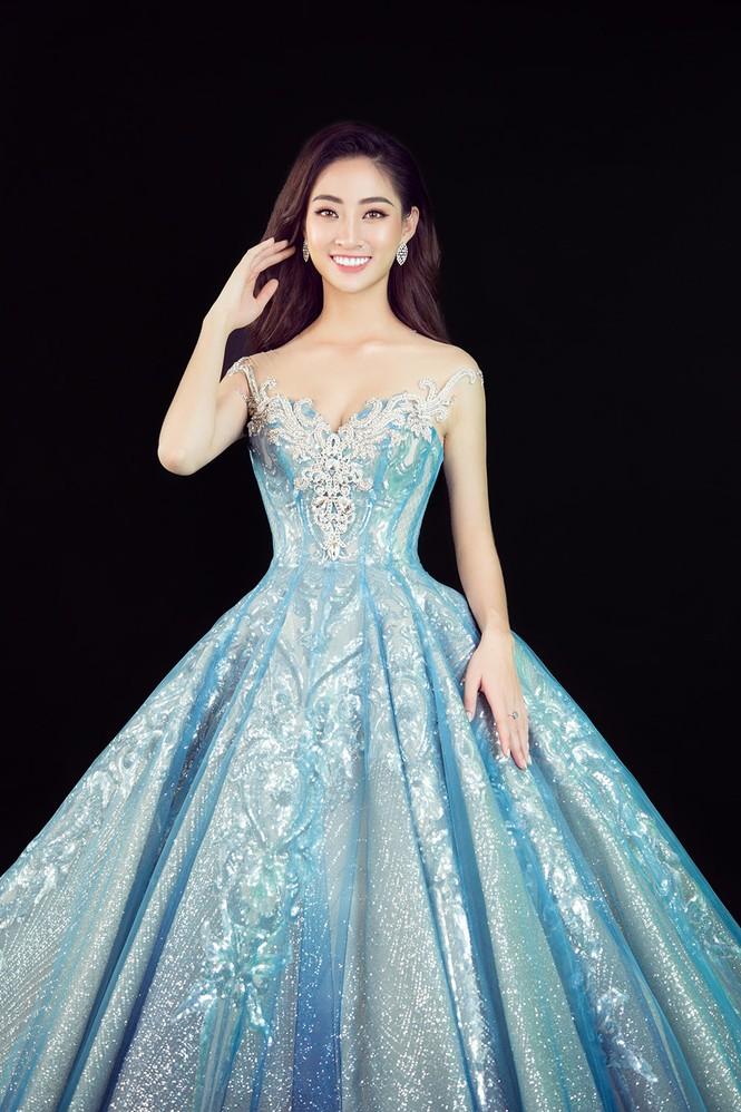 Lương Thuỳ Linh đẹp tựa Elsa, khoe tài hát tiếng Anh trong clip dự thi tài năng - ảnh 1