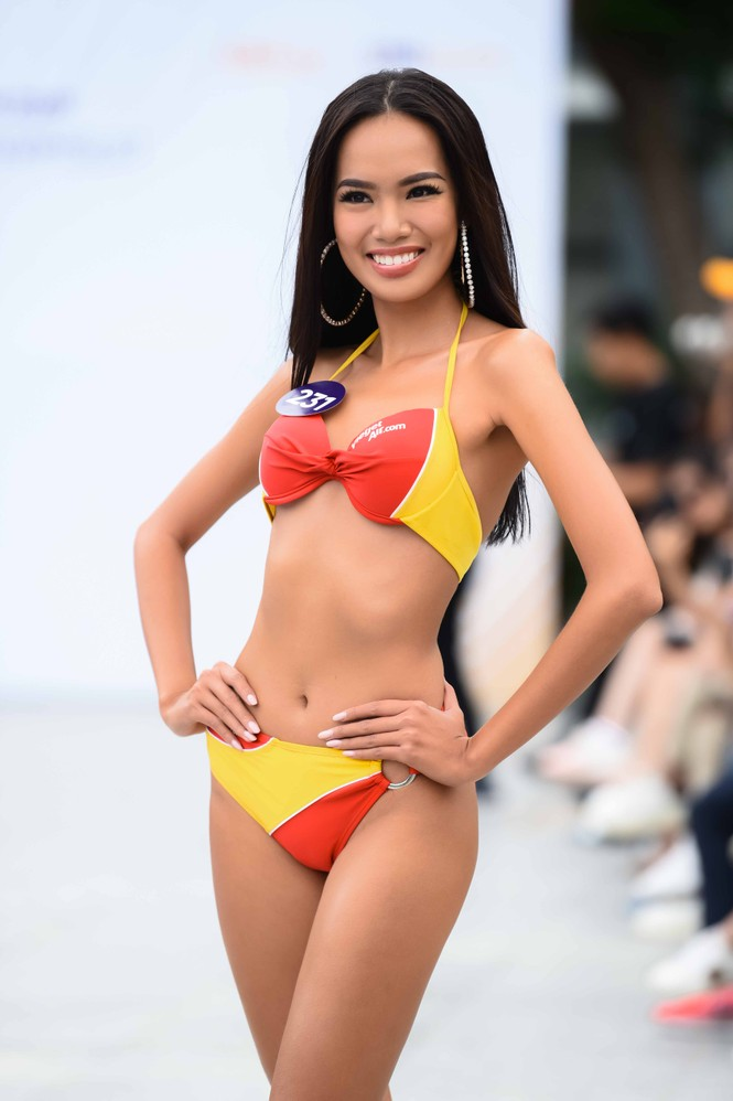 10 body nóng bỏng nhất phần thi Người đẹp Biển ở Hoa hậu Hoàn vũ Việt Nam 2019 - ảnh 8
