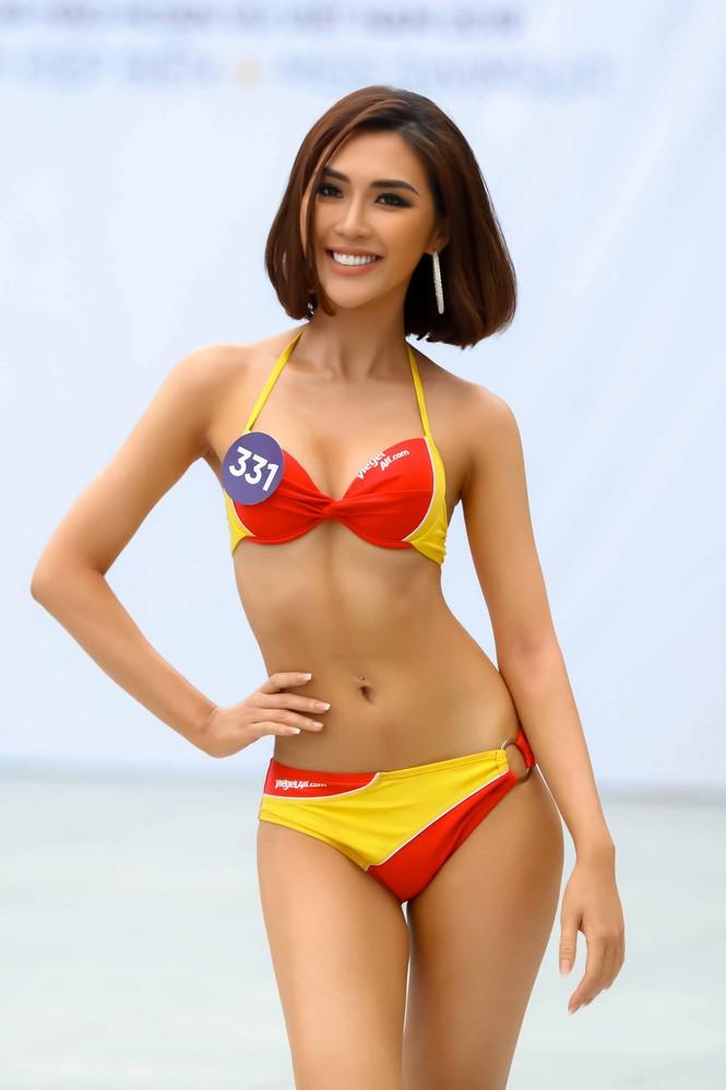 10 body nóng bỏng nhất phần thi Người đẹp Biển ở Hoa hậu Hoàn vũ Việt Nam 2019 - ảnh 10