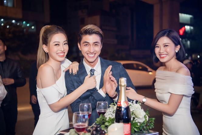 Á hậu Phương Nga đụng độ 'người tình màn ảnh' của bạn trai Bình An ở sự kiện - ảnh 6