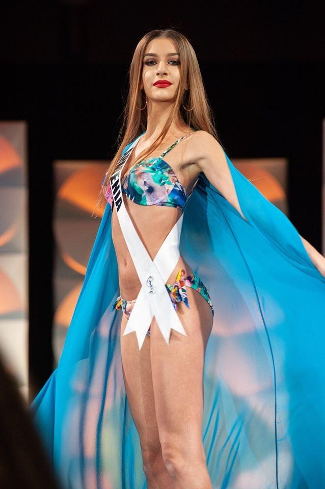 Màn diễn bikini 'rực lửa' của Hoàng Thuỳ và dàn thí sinh ở bán kết Miss Universe - ảnh 10