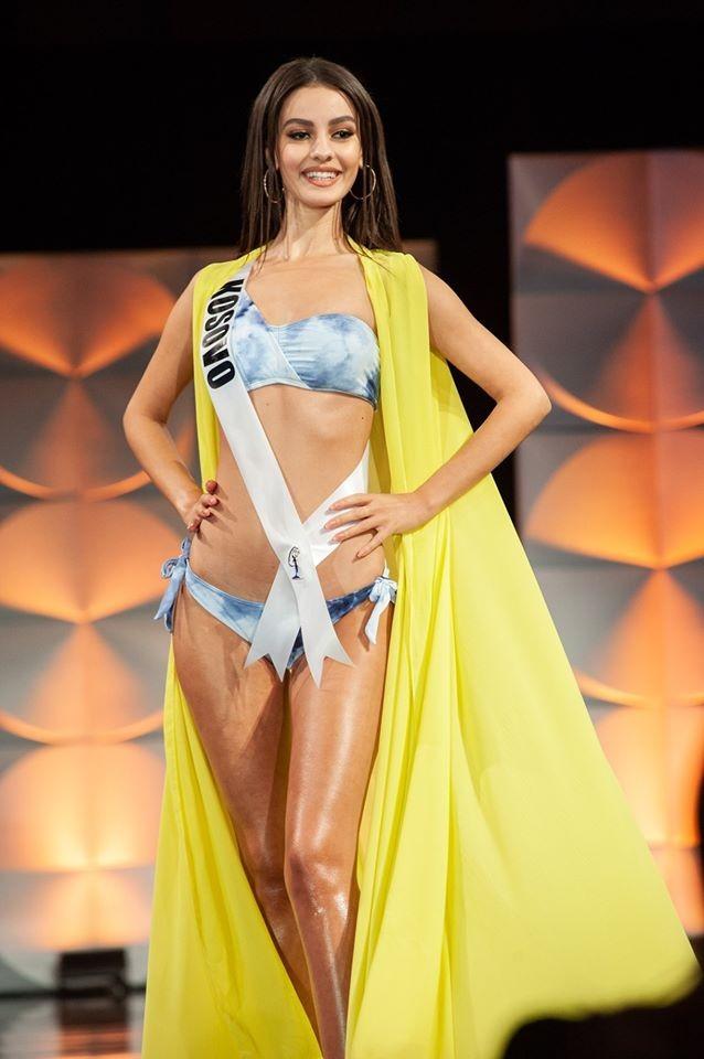 Màn diễn bikini 'rực lửa' của Hoàng Thuỳ và dàn thí sinh ở bán kết Miss Universe - ảnh 9
