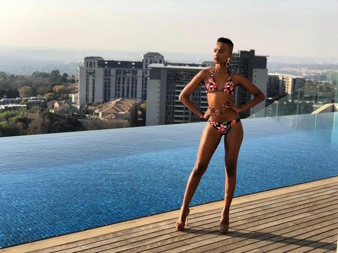 Nhan sắc nóng bỏng của mỹ nhân Nam Phi vừa đăng quang Hoa hậu Hoàn vũ 2019 - ảnh 8