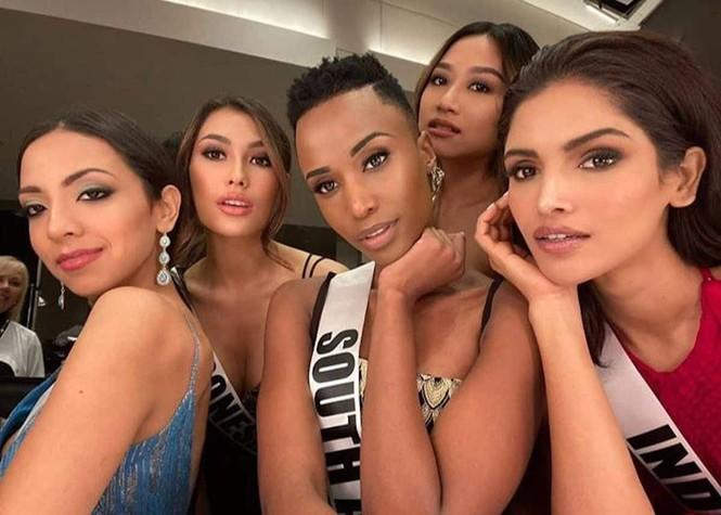 Nhan sắc nóng bỏng của mỹ nhân Nam Phi vừa đăng quang Hoa hậu Hoàn vũ 2019 - ảnh 13