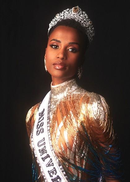 Tân Hoa hậu Hoàn vũ Zozibini Tunzi từng dự đoán Hoàng Thuỳ sẽ đăng quang - ảnh 1