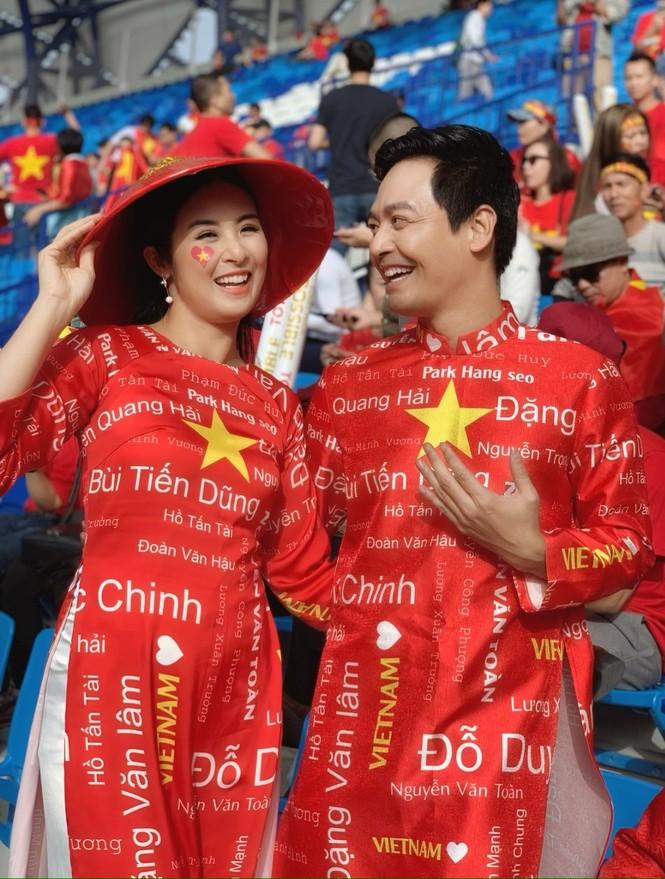 Dàn Hoa, Á hậu hừng hực khí thế chờ xuống đường mừng U22 Việt Nam vô địch! - ảnh 2