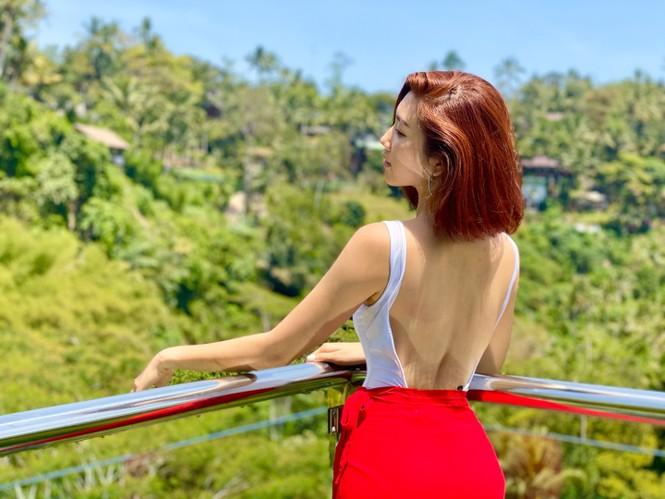Thuý Ngân hiếm hoi diện bikini, khoe vòng eo 'con kiến' nóng bỏng ở Bali - ảnh 5