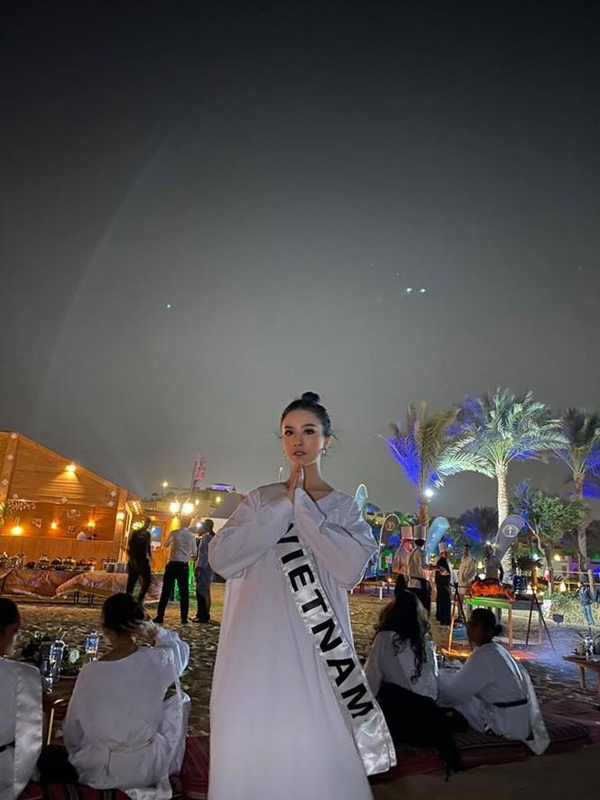 Hoàng Thuỳ tái xuất sau Miss Universe, khoe chân thon 'cực phẩm' - ảnh 13