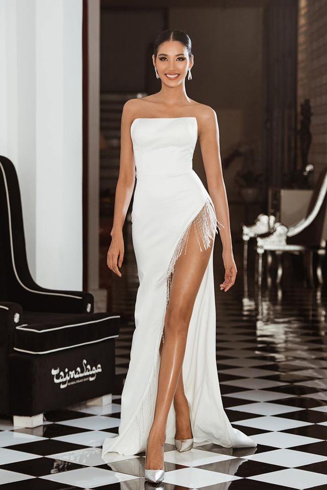 Hoàng Thuỳ tái xuất sau Miss Universe, khoe chân thon 'cực phẩm' - ảnh 1