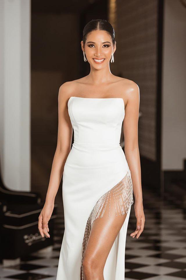 Hoàng Thuỳ tái xuất sau Miss Universe, khoe chân thon 'cực phẩm' - ảnh 4