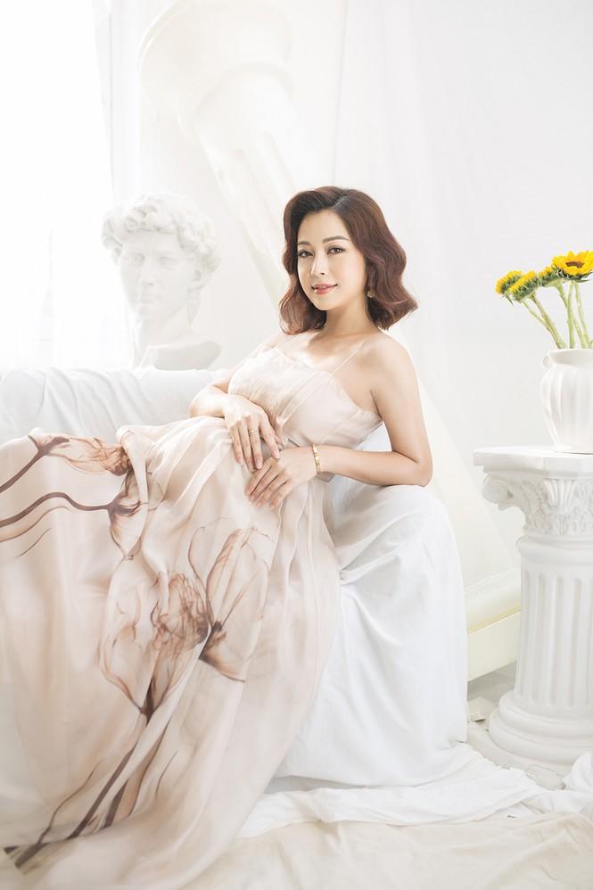 Jennifer Phạm vẫn xinh đẹp ngỡ ngàng dù tăng 10kg khi mang bầu lần thứ 4 - ảnh 1