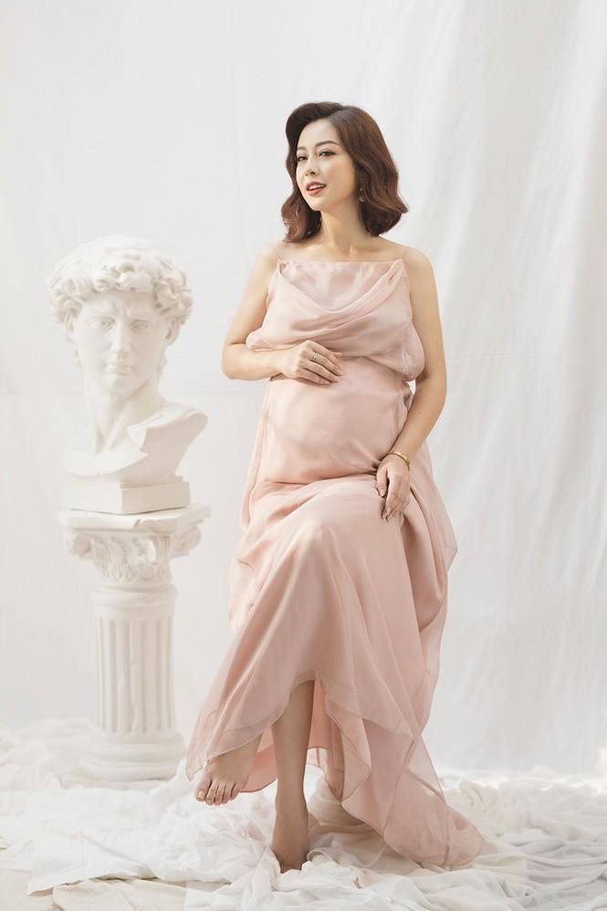 Jennifer Phạm vẫn xinh đẹp ngỡ ngàng dù tăng 10kg khi mang bầu lần thứ 4 - ảnh 3