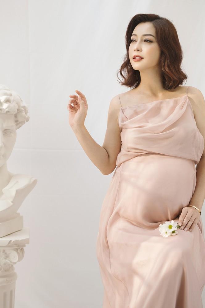 Jennifer Phạm vẫn xinh đẹp ngỡ ngàng dù tăng 10kg khi mang bầu lần thứ 4 - ảnh 4