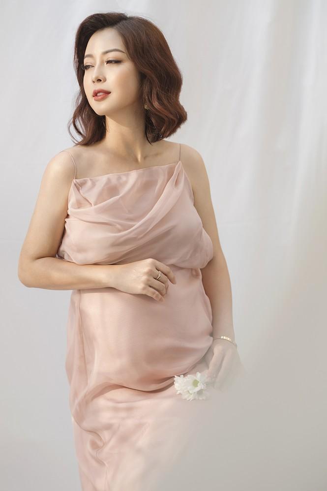 Jennifer Phạm vẫn xinh đẹp ngỡ ngàng dù tăng 10kg khi mang bầu lần thứ 4 - ảnh 5